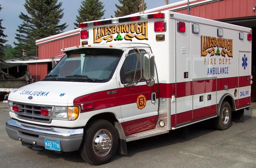 Free Animated Ambulance Clipart
